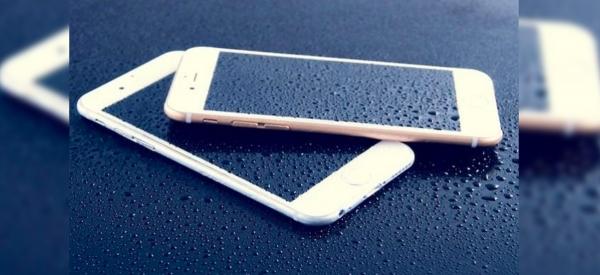 Cosa fare se ti cade lo smartphone in acqua